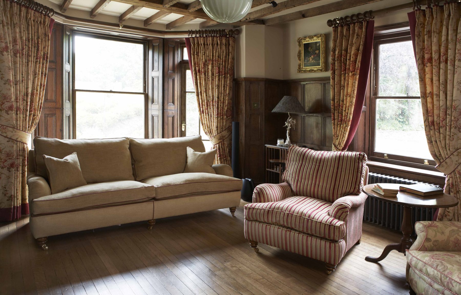 traditional furniture and drapes living room Didcot